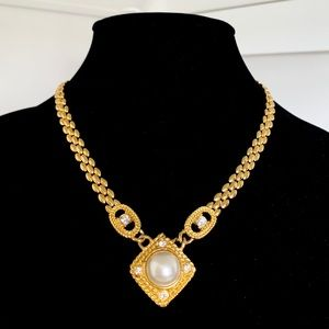 Vintage Gold Link and Pearl Necklace